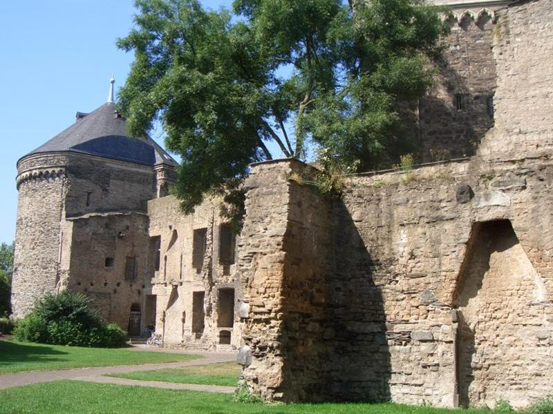 kastelen nabij daun